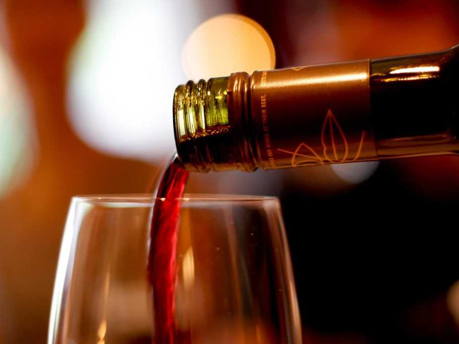 Should You Buy Expensive or Cheap Wine?